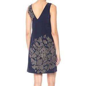 Trina Turk Dresses - NWT Trina Turk Glitterati Silk Dress